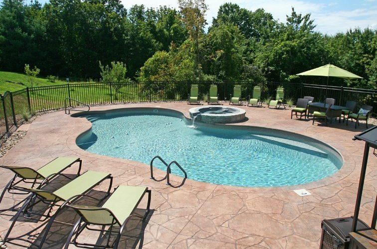 22B Mountain Pond Inground Pool - Cromwell, CT