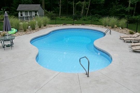 28D Mountain Pond Inground Pool - Canton, CT