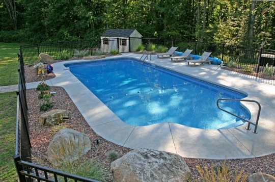 9C Patrician Inground Pool - Portland, CT